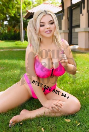 Franciane escorts in Porterville