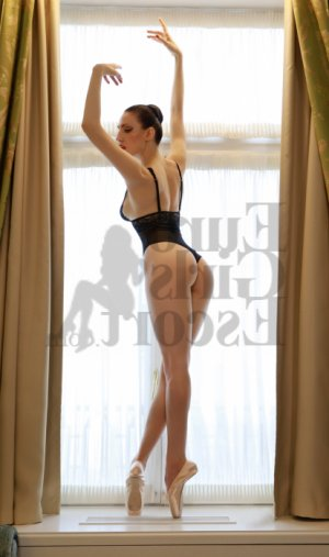 Charlyne live escort in Hood River