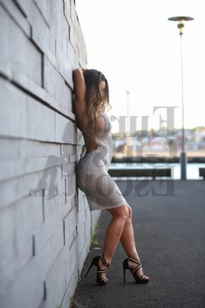 Marie-pascaline asian escort girls in Melville