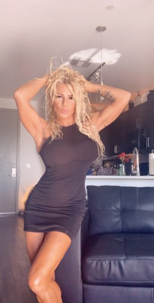 Marie-eline call girl in San Leandro CA